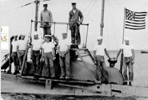 marinha americana trajando t-shirts